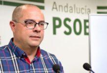 El portavoz socialista, Juan Herrero, defiende que hay que buscar soluciones que no perjudiquen a la agricultura tradicional.